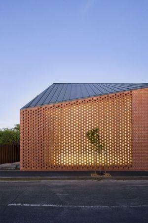 briques perforées - harold-residence par Jackson Clements Burrows - Melbourne, Australie