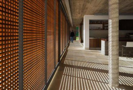 brise soleil - Ft house par Reinach Mendon Arquitetos - Bragança Paulista, Brésil