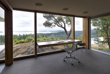 bureau - Ridge House par Marko Simcic et Brian Broster - Pender Island, Canada
