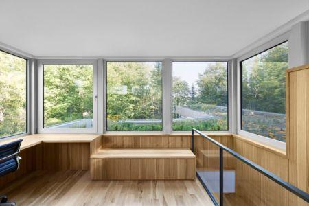 bureau étage - Maison du Lac Grenier par Paul Bernier Architecte - Estérel, Canada