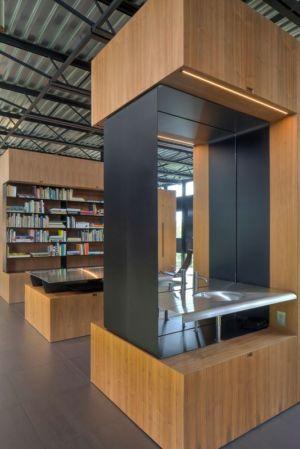 bureau & lavabo - Shokan-House par Jay Bargmann - New York, USA