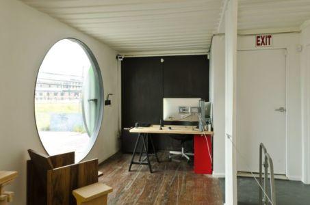 bureau - maison-container par Vedat Ulgen & Deger Cengiz - New York, USA