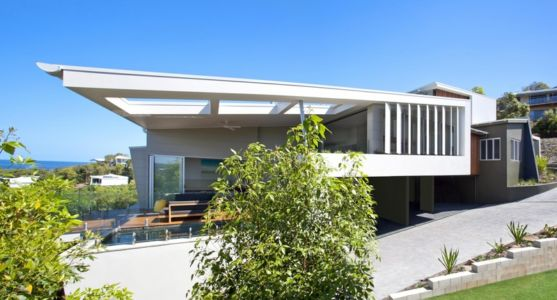 côté et terrasse - Coolum Bays House par Aboda Design Group - Coolum Beach, Australie - photo Paul Smith