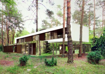 côté opposé entrée - Izabelin House par REFORM Architekt - Varsovie, Pologne