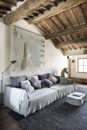 canapé salon - mediterranean-residence par Elodie Sire - Toscane, Italie