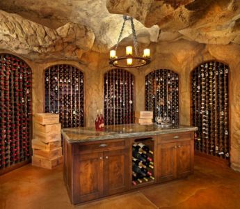 cave à vins - ranch contemporain en bois par Joe Robbins - Steamboat Spring, Usa