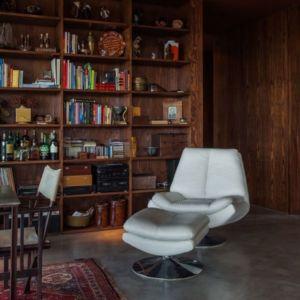 chaise design - Casa de Seixas par Castro Calapez Arquitectos - Caminha, Portugal