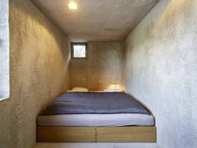 chambre - House in Brissago par Wespi de Meuron Romeo architects - Brissago, Suisse