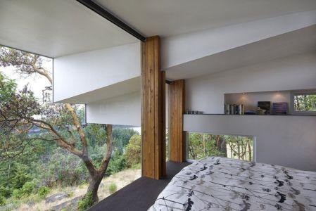 chambre - Ridge House par Marko Simcic et Brian Broster - Pender Island, Canada