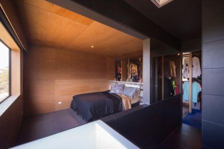 chambre - Southern outlet house par Philip M-Dingemanse - Launceston, Australie - photo Jonathan Wherrett