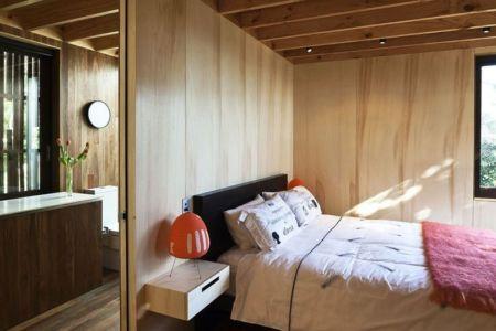 chambre - Under Pohutukawa par Herbst Architects - Piha, Nouvelle-Zélande