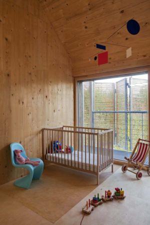 chambre bébé - Witzmann résidence par Karawitz Architecture - France -  Photo Nicholas Calcott