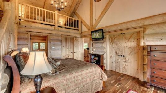 chambre & coin TV - Mountain-Top-Manor - Blue Ridge, Georgie