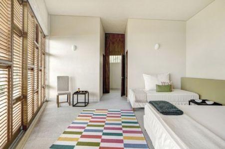 chambre double lits - case-del-lago par Juan Ignacio Castiello Arquitectos - San Juan Cosalá, Mexique