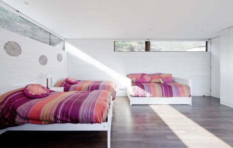 chambre enfant - Catch the Views House par LAND Arquitectos - Zapallar, Chili