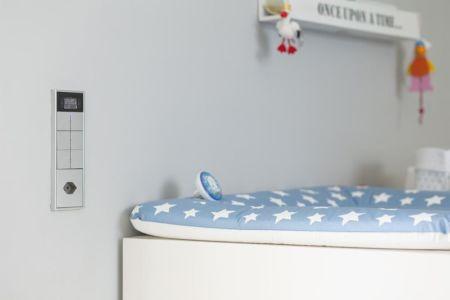 chambre enfants avec système domotique - villa-am-bodensee par jung - lac constance, Suisse