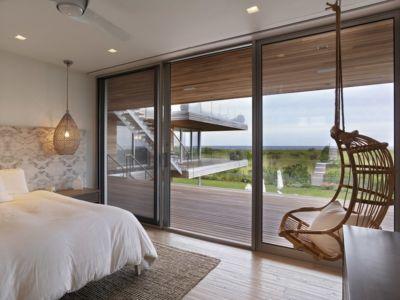 chambre et accès terasse - Ocean Deck House par Stelle Lomont Rouhani Architects - Bridgehampton, USA