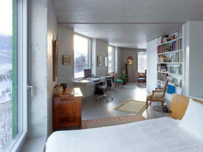 chambre et coin bureau - Maison Iseli par François Meyer architecture - Venthôme, Suisse