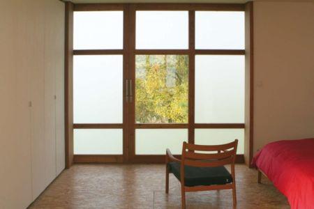 chambre et fenêtre - Maison dans la prairie par Arba - Montreuil, France