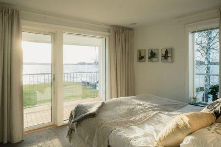 chambre et panorama - Maison contemporaine scandinave par Boris Culjat - Suède.jpg