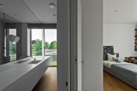 chambre et salle de bains - Family House par UAB Architektu biuras - Palanga, Lituanie