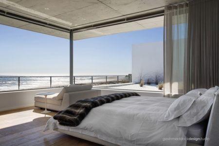 chambre et vue sur océan - Pearl Bay Residence par Gavin Maddock Design Studio - Yzerfontein, Afrique du Sud