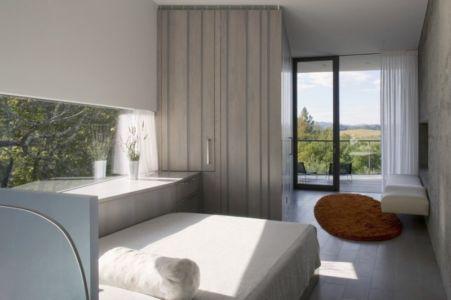 chambre parentale - Maison contemporaine béton par Cooper Joseph Studio - Sonoma, Usa