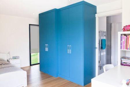 chambre & penderie - House-in-Lyon par Damien Carreres - Lyon, France