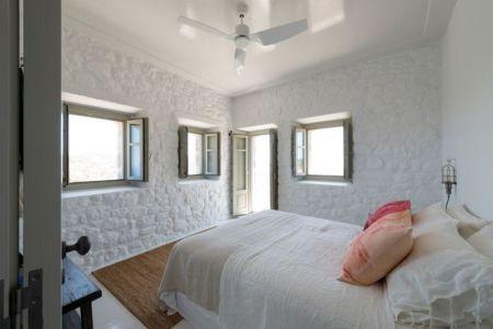 chambre & petites ouvertures vitrées - Sterna Nisyros par  Giorgos Tsironis - Nisyros en Grèce