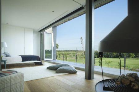 chambre principale & grande baie vitrée - Z-Balca-House par Lagula Arquitectes - Espagne