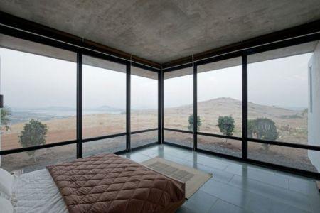 chambre & vue panoramique paysage - Deolali House par Spam Design Architects - Deolali, Inde