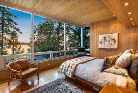 chambre vue sur lac - villa contemporaine en bois par Daniel Evan White - Saanich, Canada