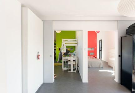 chambres enfants - Maison bois béton par Ideaa architectures - Colmar, France - Photo Alain-Marc Oberlé
