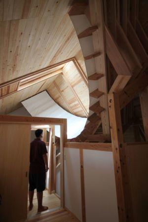 charpente bois toiture - Passive-House par Kikuma Watanabe - Kasugoaka, Japon