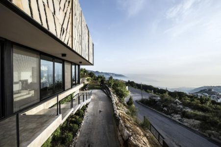 chemin d'accès - Tahan Villa par BLANKPAGE Architects - Kfour, Liban