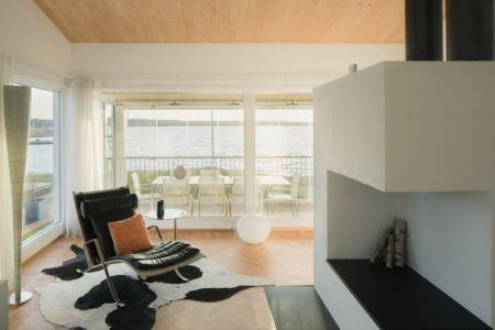 cheminée contemporaine - Maison contemporaine scandinave par Boris Culjat - Suède.jpg