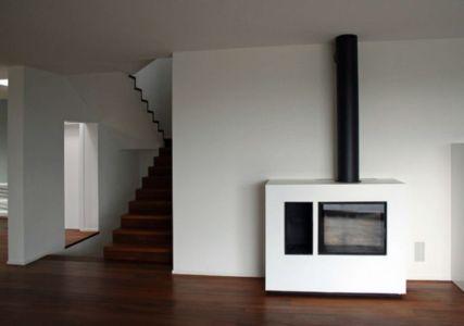cheminée design - semi-ipogea-house par Dario Scanavacca - Marostica, Italie