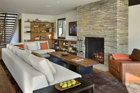 cheminée et salon - maison bois et pierre contemporaine - Sun Valley, Usa