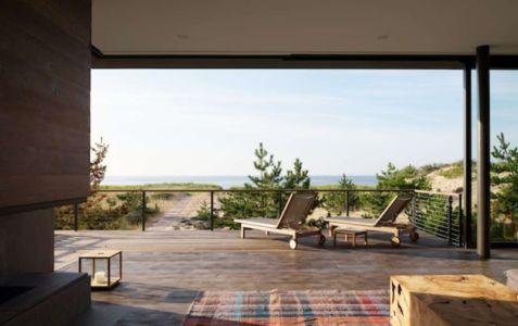 cheminée salon - Shore House par Stelle Lomont Rouhani Architects -  Amagansett, Usa