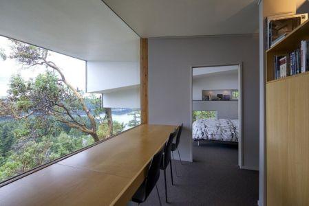 coin bureau - Ridge House par Marko Simcic et Brian Broster - Pender Island, Canada