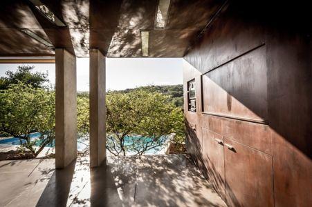 coin cuisine extérieure - House in Q2 par Santiago Viale - Mendiolaza, Argentine