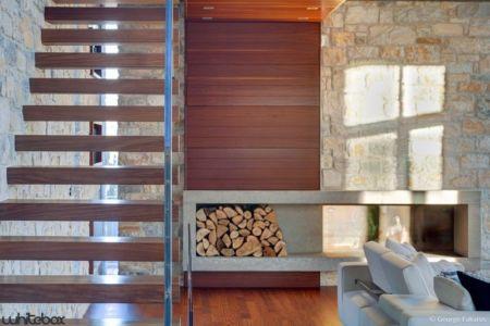 coin emplacement bois - Stone House par Whitebox Architectes - Athènes, Grèce