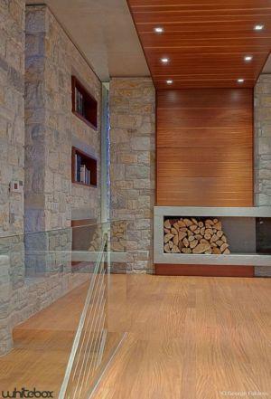 coin emplacement bois & bibliothèque - Stone House par Whitebox Architectes - Athènes, Grèce