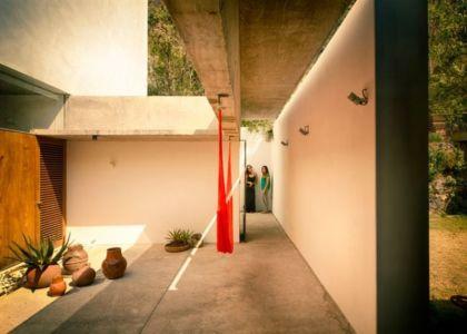 couloir - Casa-Meztitla par EDAA - Tepoztlan, Mexique