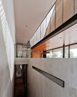 couloir - KA-House par IDIN Architects - Pak Chong, Thaïlande