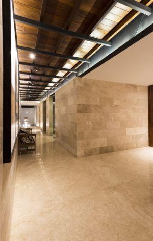 couloir - Montebello 321 par Jorge Bolio Arquitectura - Merida, Mexique