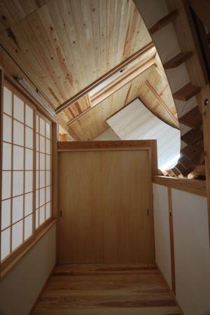 couloir - Passive-House par Kikuma Watanabe - Kasugoaka, Japon