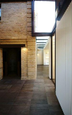 couloir - Recupero-casa par Rocco Valentini - Chieti, Italie