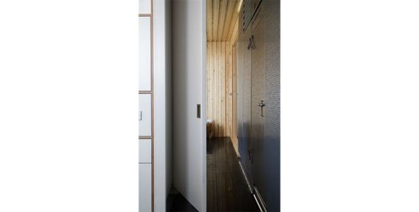 couloir- Spaceship Home par Noem Spaceship - Madrid, Espagne