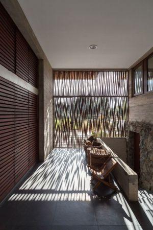 couloir étage - Corredor House par Chauriye Stäger Architects - Santiago, Chili